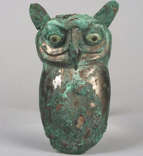 Owl statuette met museum