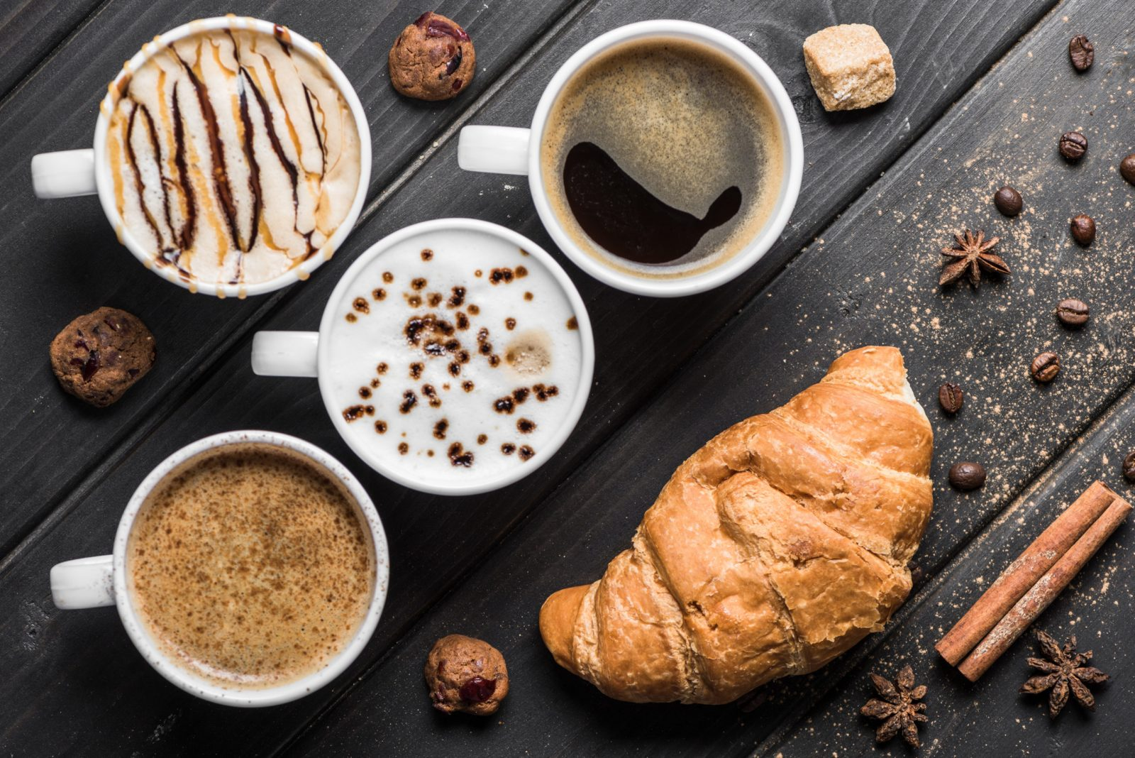 coffee cups with bakery