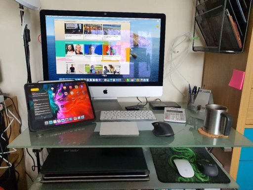 Desk Set Up
